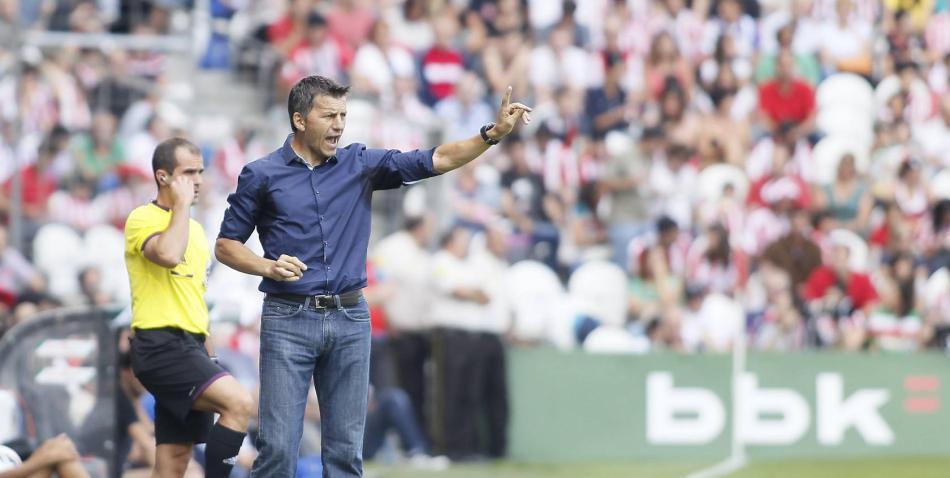 Miroslav Djukic, entrenador del Real Valladolid (378) [NC]