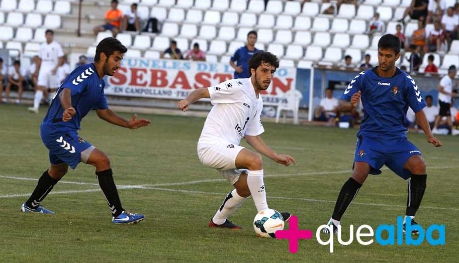 Lluís Sastre, autor del tercer gol, junto a Alberto Bueno (MásqueAlba)