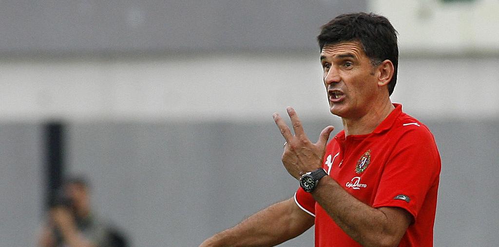 José Luis Mendilibar da indicaciones durante uno de sus últimos partidos como entrenador del Real Valladolid