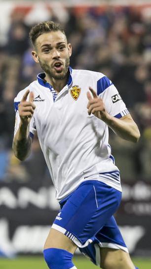 Roger celebrando un gol en Zaragoza (Heraldo)