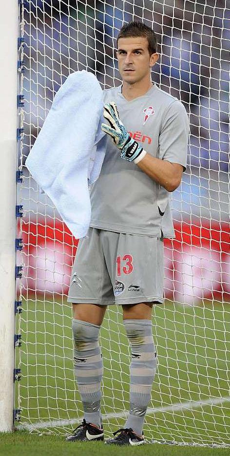 Javi Varas con la camiseta del Celta (Marca)