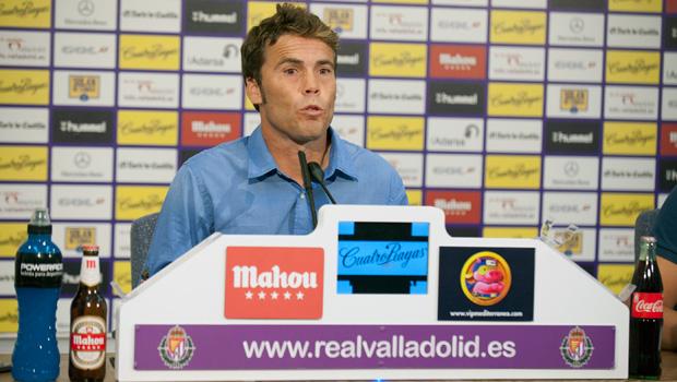 Joan Francesc Ferrer, 'Rubi', en una rueda de prensa en su etapa blanquivioleta <em><strong>(RealValladolid.es)</strong></em>