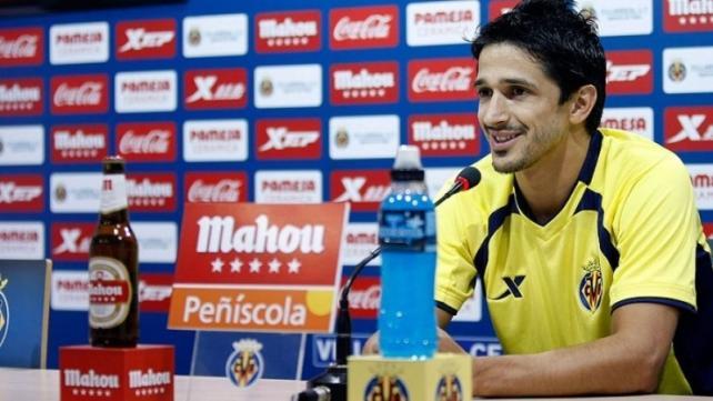 Jonathan Pereira en una rueda de prensa tras regresar al Villarreal (LaInformación)