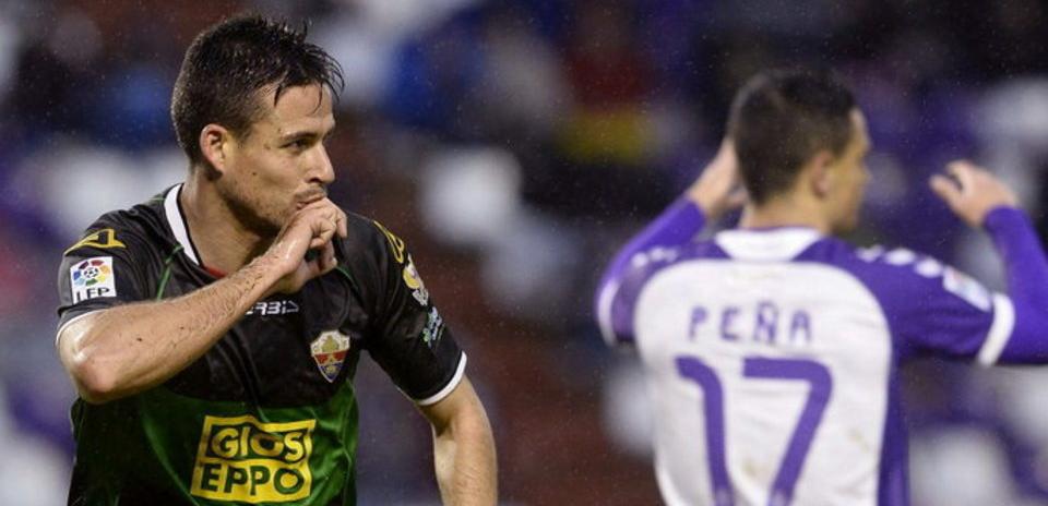 Manu del Moral celebra el tanto que anotó en el José Zorrilla en su última visita a Valladolid (MundoDeportivo)