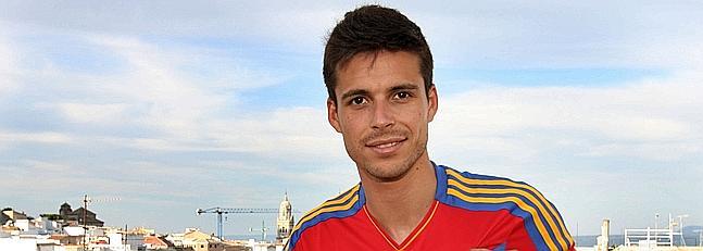 Manu del Moral con la camiseta de España tras ser llamado por Vicente del Bosque en junio del año 2011 (Marca)