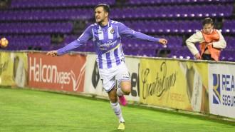 Juan Villar celebra el gol anotado en el Estadio José Zorrilla (Andrés Domingo | ElDesmarque Valladolid)