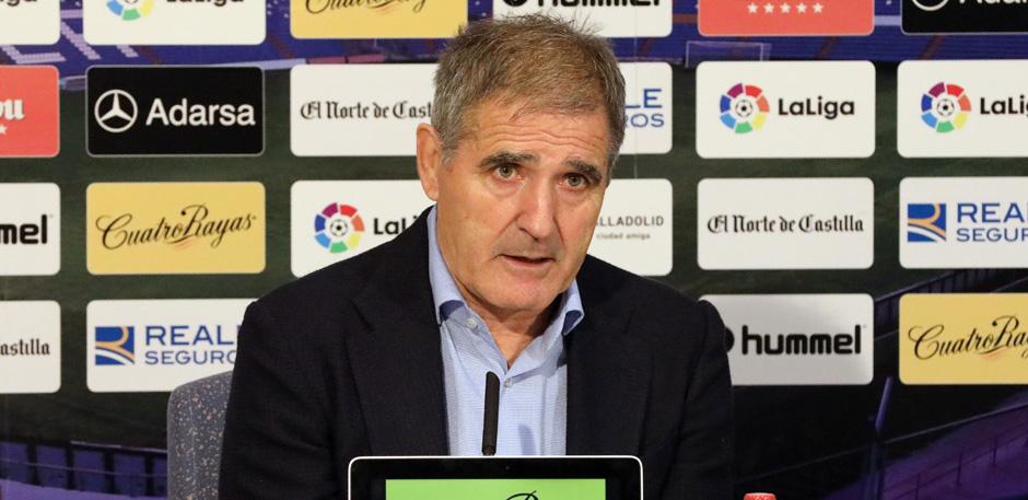 Paco Herrera en la rueda de prensa tras ganar al Rayo Vallecano (RealValladolid.es)