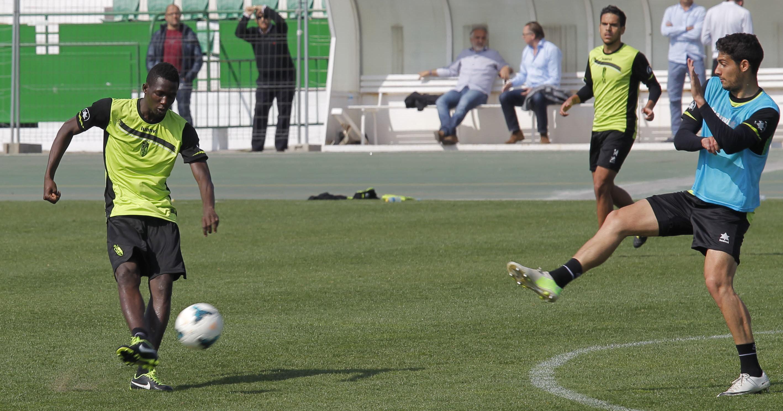 Sulayman Marreh, en un entrenamiento con la primera plantilla del Granada CF hace dos temporadas (ElIdeal- Granada)