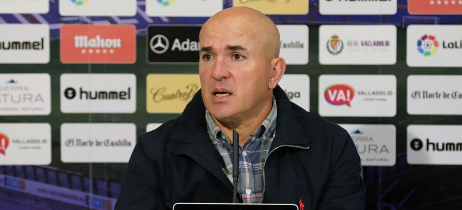Luis César Sampedro en la rueda de prensa tras la victoria (2-1) ante el Granada CF <em><strong>(RealValladolid.es)</strong></em>