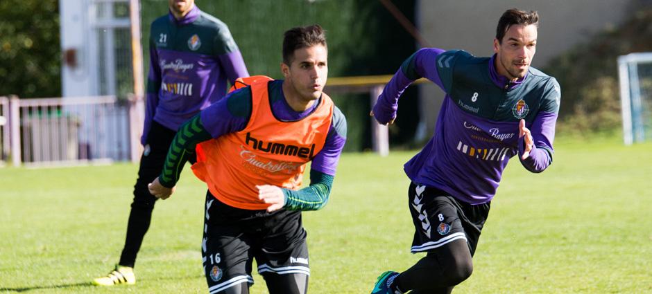 Luismi Sánchez, junto a André Leão, en un entrenamiento de la pasada temporada <em><strong>(RealValladolid.es)</strong></em>
