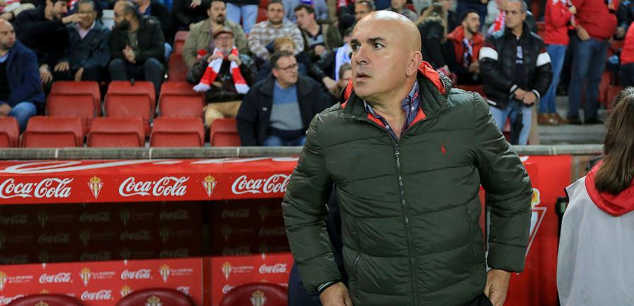 Luis César Sampedro antes del duelo de este domingo en El Molinón <em><strong>(Luis Manso - ElDesmarque Asturias)</strong></em>