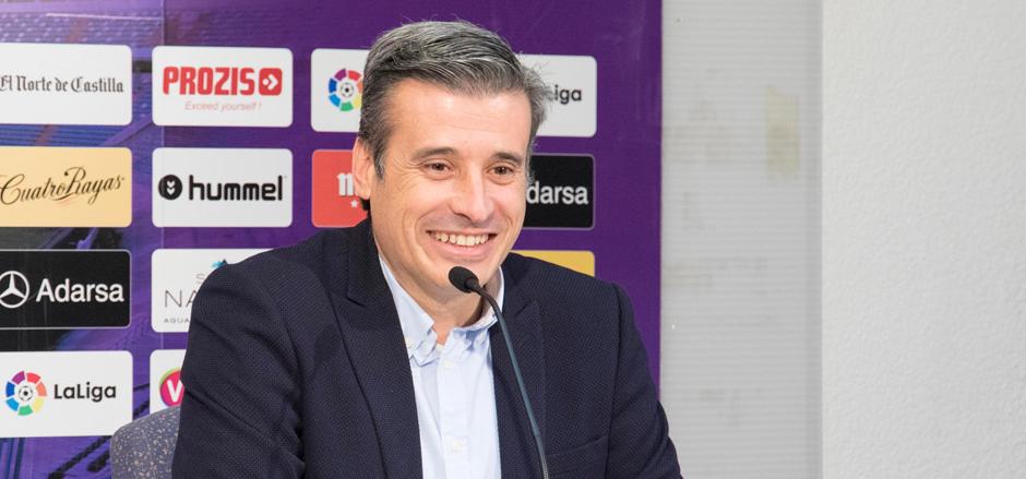 Miguel Ángel Gómez, durante una rueda de prensa en el Estadio José Zorrilla | <em><strong>Foto: RealValladolid.es</strong></em>