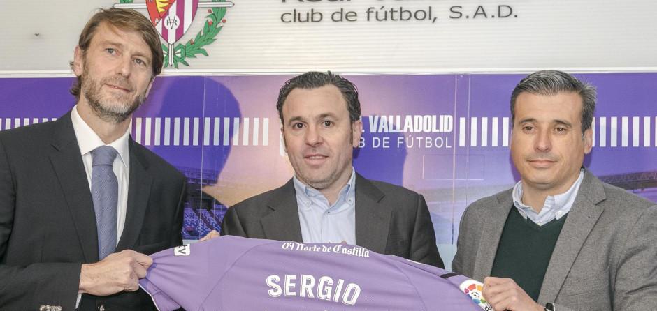 Sergio González, en su presentación como nuevo entrenador blanquivioleta | <em><strong>Foto: RealValladolid.es</strong></em>