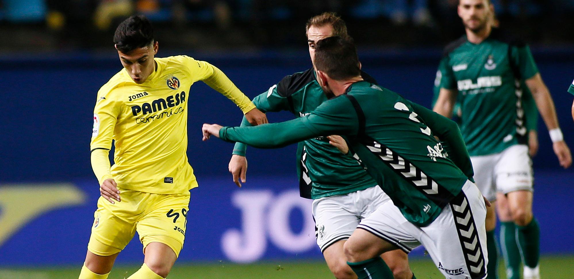 Leo Suárez, ante el CD Toledo, en una de sus primeras apariciones con el primer equipo del Villarreal CF | <em><strong>Foto: LaLiga</strong></em>